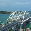 Перевозчики опасных грузов просят пустить их на Крымский мост