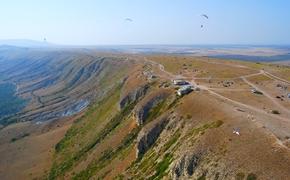 В Крыму реконструируют дорогу на гору Клементьева