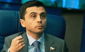 Руслан Бальбек продолжает играть роль депутата Госдумы?