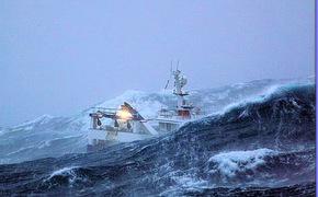 Украинские рыбаки не смогли покинуть Крым из-за шторма
