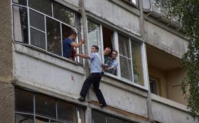 Крымчанин скинул свою мать с четвертого этажа
