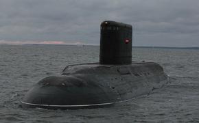 У Севастополя плавает ничья подводная лодка