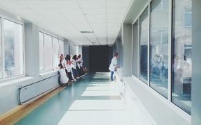 В больницу попали еще три человека из лагеря «Лучистый»