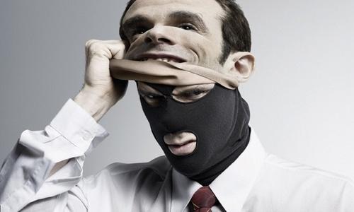 Неизвестные устроили маски-шоу на рыбоконсервном заводе. Есть пострадавшие – СМИ