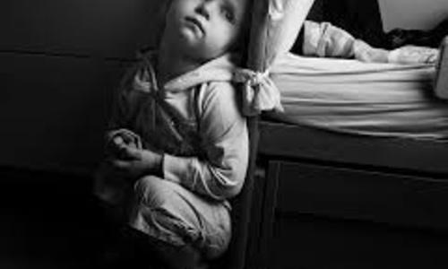 В детской больнице мамам приходится моститься рядом с детьми
