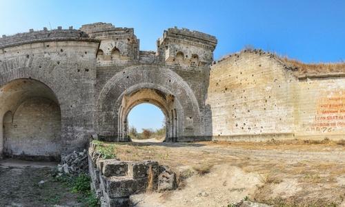 Крепость Керчь закроют из-за угрозы взрыва