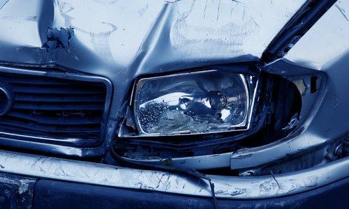 В Алуште водителя зажало в автомобиле после ДТП