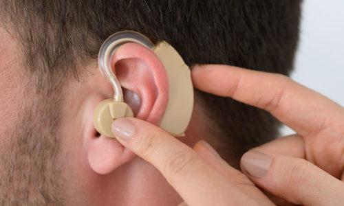 Британцы запретили продавать Крыму товары для глухих