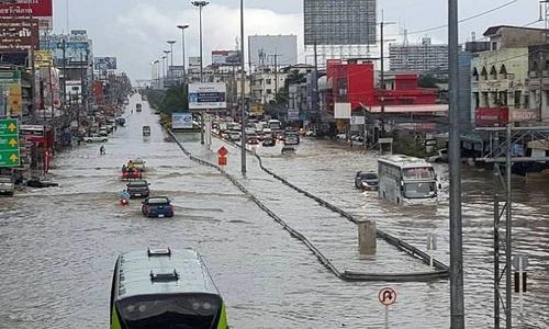 От дождей в Таиланде пострадал миллион человек