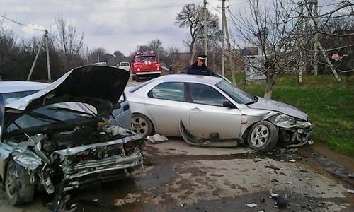 В крымском селе произошло ДТП с Alfa Romeo и «десяткой»