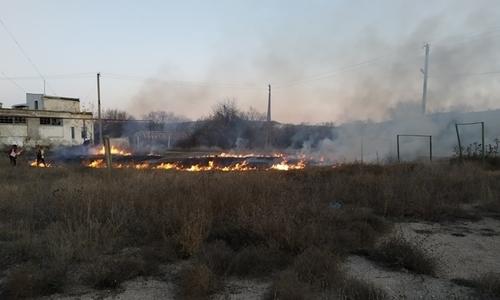 Доигрались: детская шалость привела к пожару под Бахчисараем