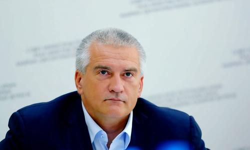 Если Аксенов уволится, то крымчане его долго не увидят
