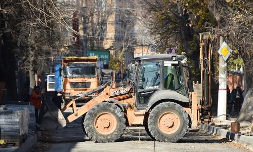 Дорожники заканчивают ремонт на улице Невского