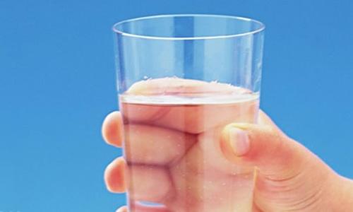 В Минэкологии предложили крымчанам пить в два раза меньше