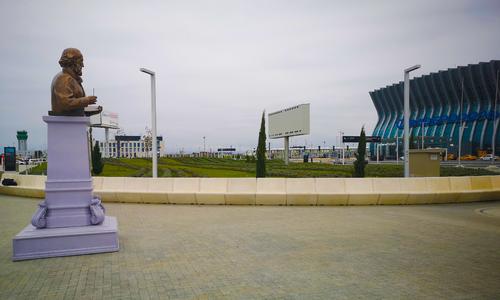 Памятник Айвазовскому как тот конь, которому в зубы не смотрят
