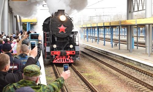 «Поезд Победы» встречали 2 тысячи симферопольцев