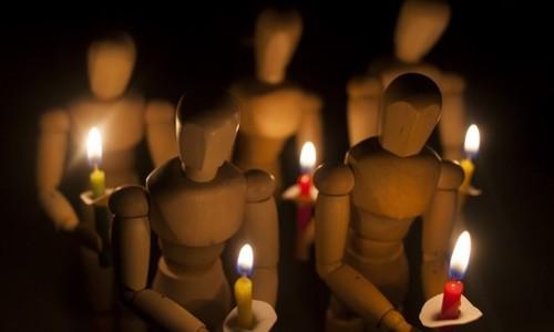 Жители Балаклавы остались без света из-за упавшего столба
