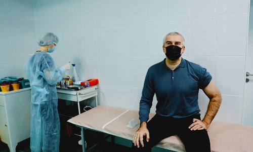 Сергей Аксенов добавил себе антител