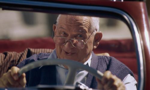 Пенсионер из Симферополя напился и угнал машину