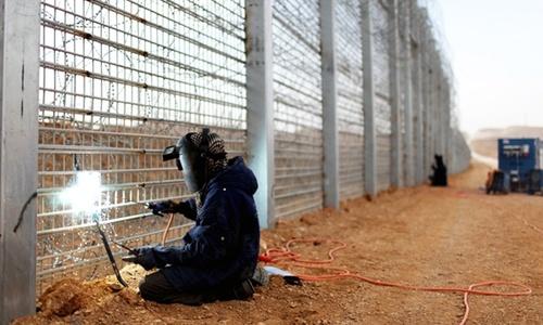 Приграничную стену Крыма будут строить украинцы