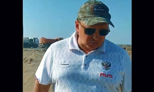 Мэр Евпатории приехал на грязное дело в белой рубашке