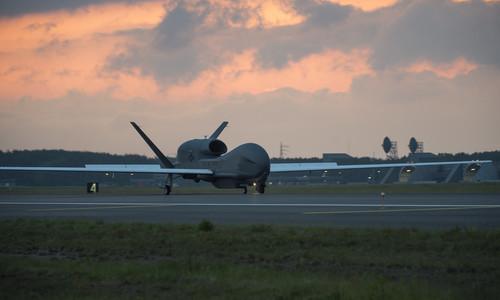 Американские самолеты кружили над Крымом и Донбассом