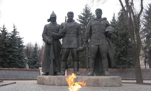 В Крыму мошенники нажились на памятниках героям ВОВ