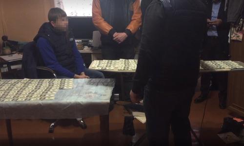 Силовики поймали в Ялте адвоката-мошенника