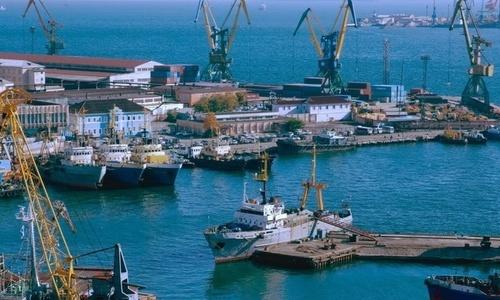 В порты Крыма заходит все больше иностранных судов