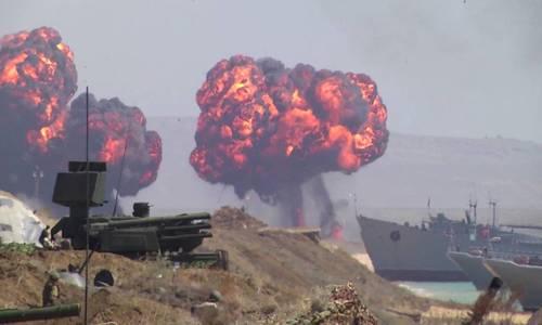 Три тысячи военных подняли по тревоге для учений на Опуке