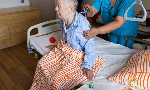 Для подвоза пожилых селян в больницы Крыма купят 20 авто