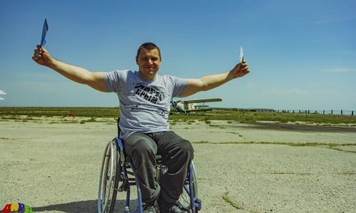 С крымского инвалида-колясочника требуют 2,4 миллиона рублей