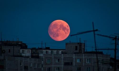 Над Крымом взойдет красная луна
