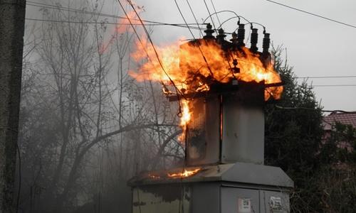 В Нижнегорском районе горел трансформатор