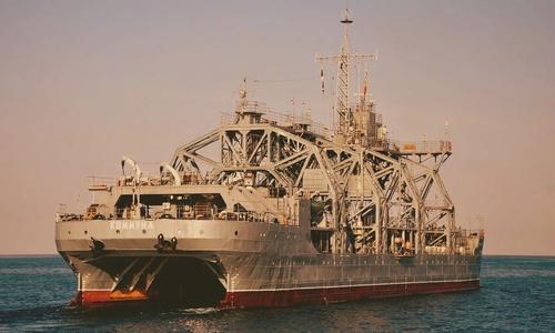 Военные вывели в море «старичка», чтоб размялся на ходу
