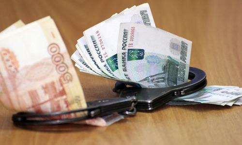 Севастопольского чиновника осудят за крупную взятку