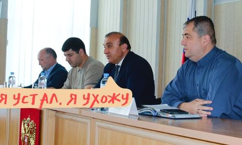 Глава Симферопольского района решил, что лучше уйти по-хорошему