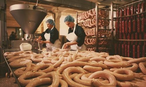 В Крыму стали быстрее варить колбасу