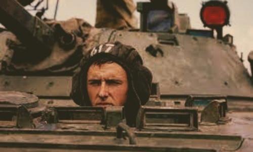 Механики-водители боевых машин проведут парад за броней «Спутника-ви»