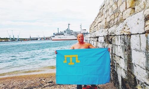 Крымчанин переплывет Черное море в память о депортации