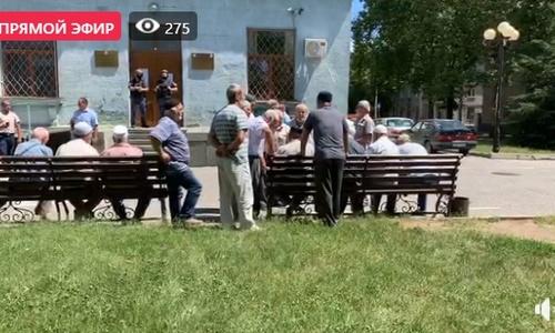 Под стены Совмина пришли крымские татары (обновляется)