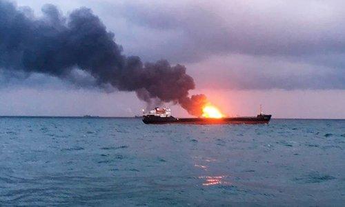 На месте трагедии в Керченском проливе работают 15 судов