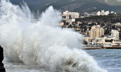 Сегодня на Крым обрушатся ливни и грозы