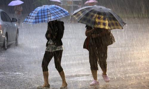 Сегодня в Крыму ожидаются град и ураганный ветер
