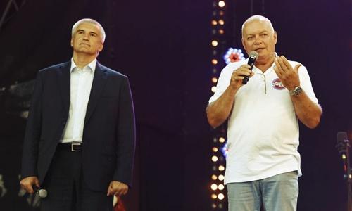 Возможно по вине крымских властей известный телеведущий слег с ковидом