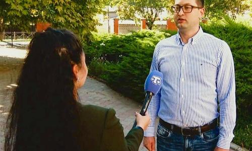 По крымской молодежи предлагается ударить 35-ой батареей