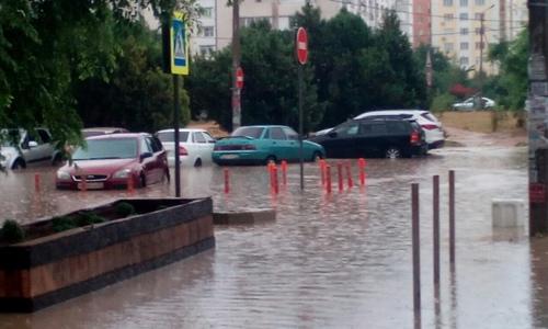 Севастополь все еще приводят в порядок поле ливня