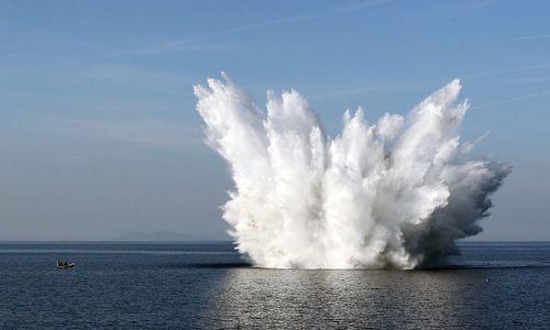 В акватории возле Феодосии подорвали фугасную бомбу