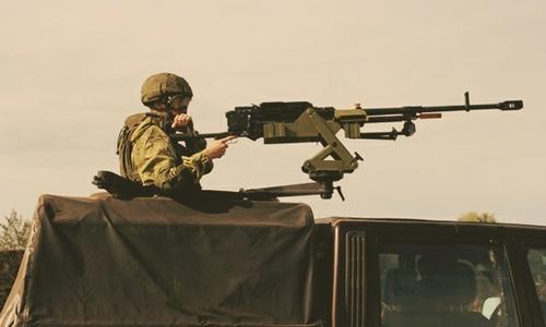 Военные учились отстреливать врагов, мешающих колоннам на дорогах