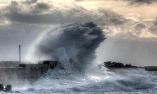 Судам запретили ходить через Керченский пролив из-за шторма
